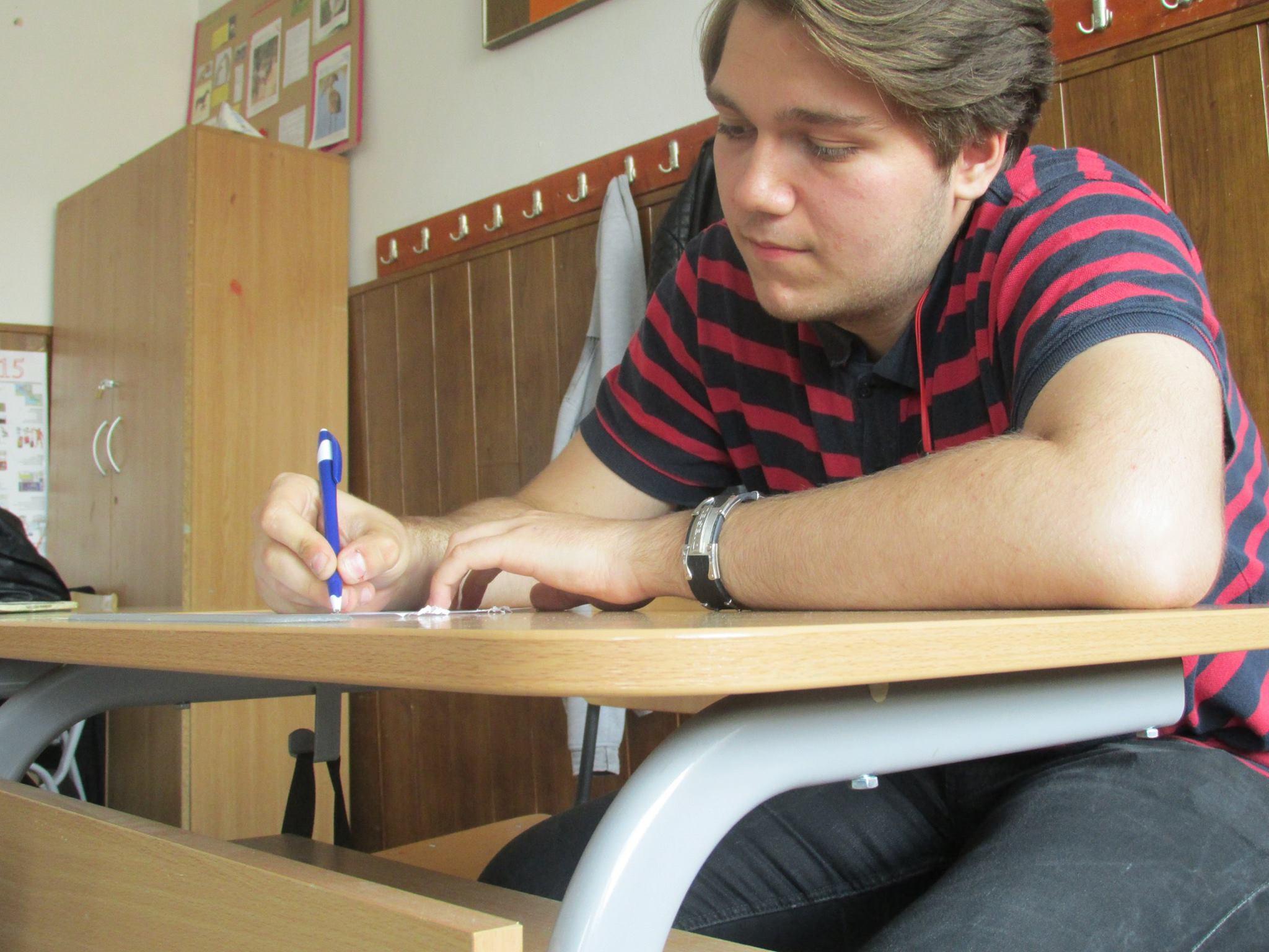 10 Proiect Viata fara Violena - Ana Hristea - clasa a-IX-a B – Colegiul National Mihai Eminescu