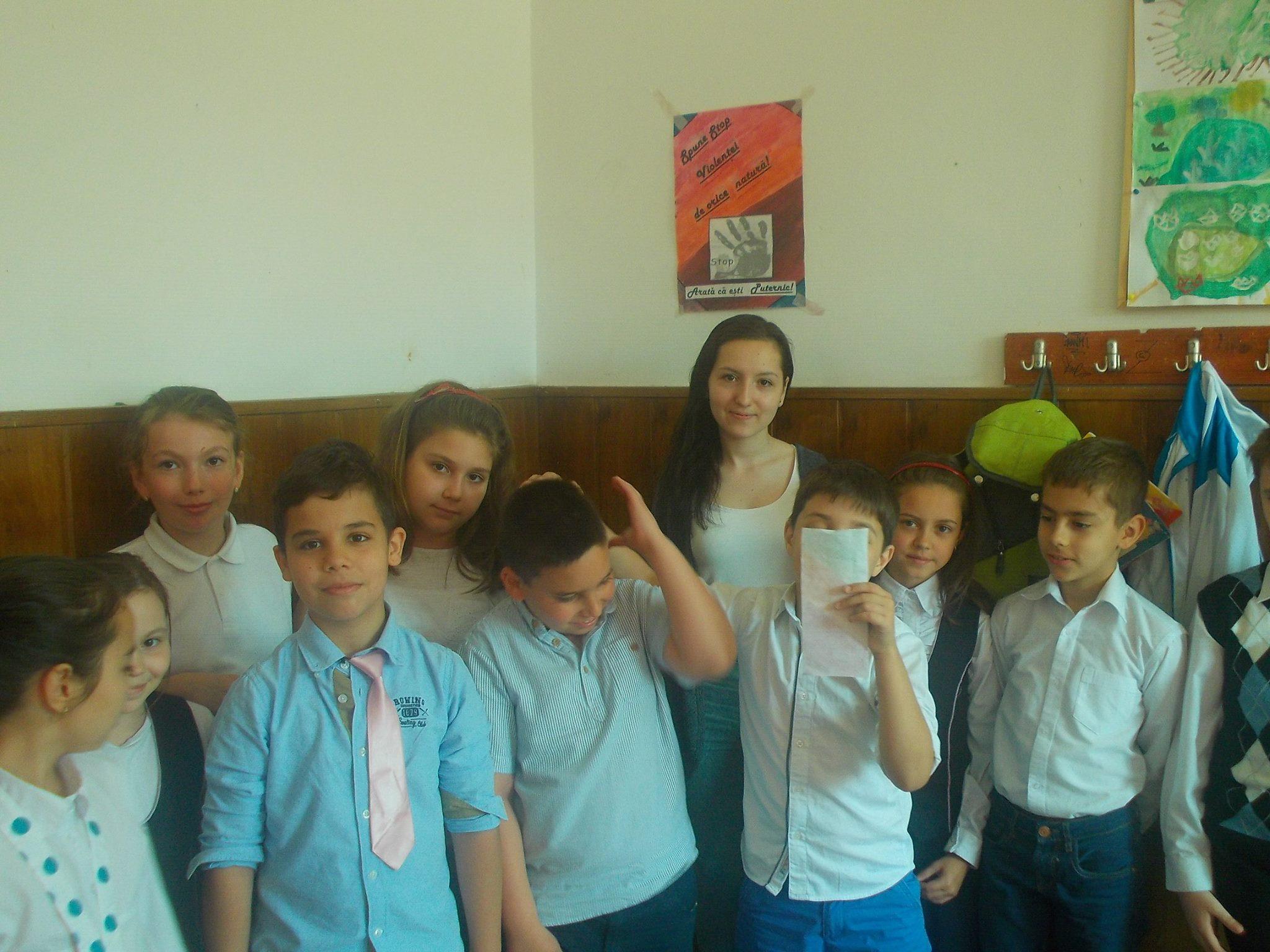 12 ECHIPA 3 – clasa a-IX-a C – Colegiul National Mihai Eminescu