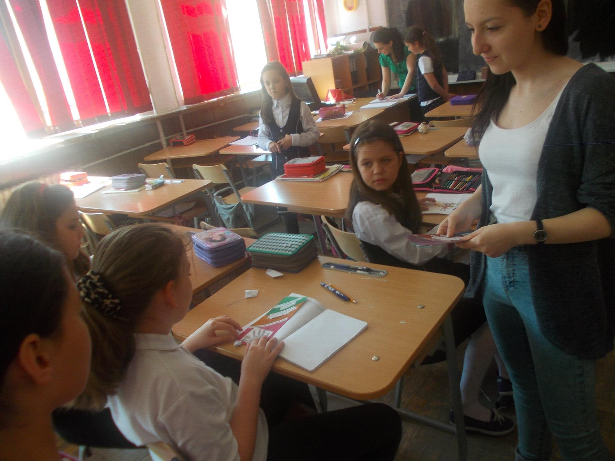 5 ECHIPA 3 – clasa a-IX-a C – Colegiul National Mihai Eminescu